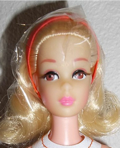 1971 No Bangs Twist and Turn Francie Doll