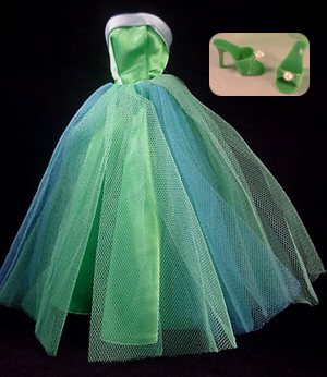 Green Cocktail Dress on This Is Barbie S Glamorous Strapless Prom Gown  And A Favorite Of