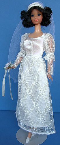 Vintage Steffie wearing Satin 'n Shine #3493 (1972)